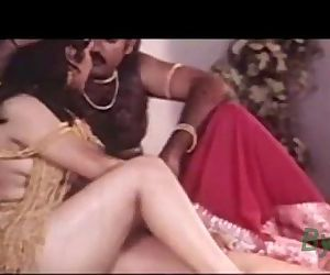 Indian Hot Sexy Actress Reshma Nude Video clip leaked - Wowmoyback - 1 min 38 sec