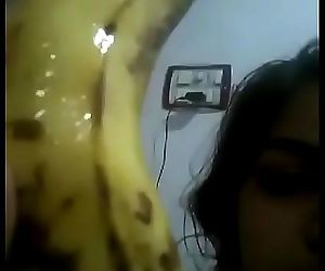 Bbw desi muslim girl inserting banana in her fat pussy nd make selfie 61 sec