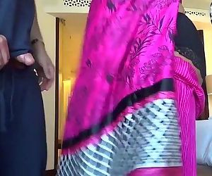 Fucking an Indian Aunty #2 - HornySlutCams.com - 10 min