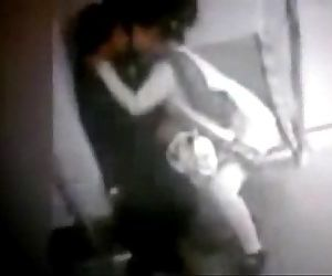 Delhi Metro MMS Leaked CCTV Footage Indian Couple Making Love - 3 min