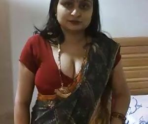Desi Aunty clips for more visit here www.indiansex69.com